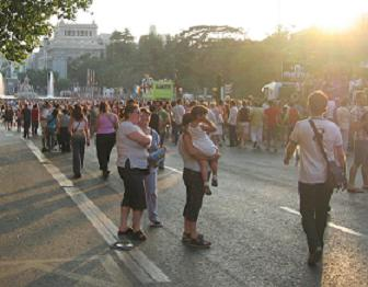 CON ORGULLO: Dancing in the street